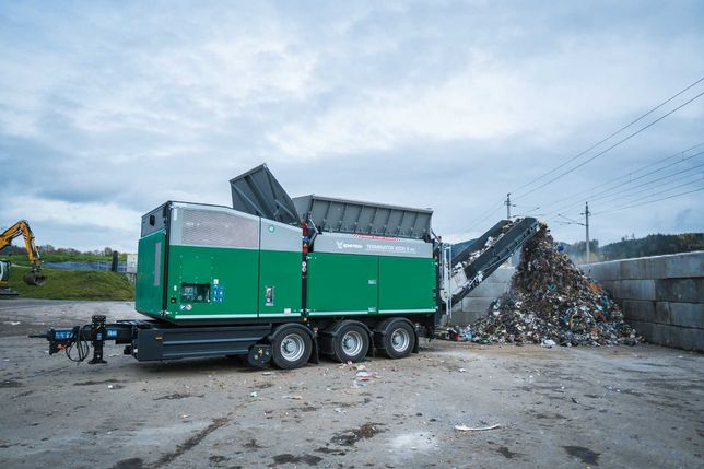 Mobilny rozdrabniacz odpadów