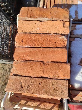 Płytki z czerwonej cegły