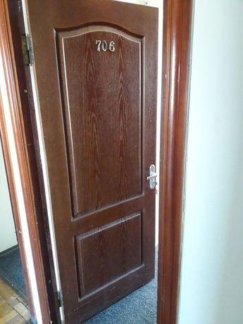 Продам межкомнатные двери с замками и лудкой в отличном состоянии.