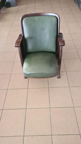 Vendo cadeiras antigas de cinema