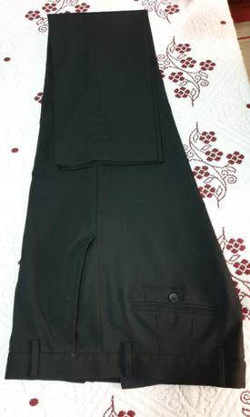 Calças de fato pretas