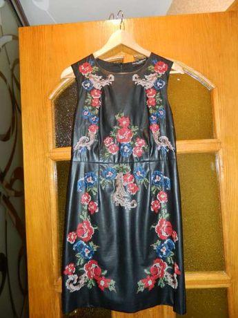 Продам платье бренд D&G (Dolce & Gabanna ) экокожа S размер нарядное