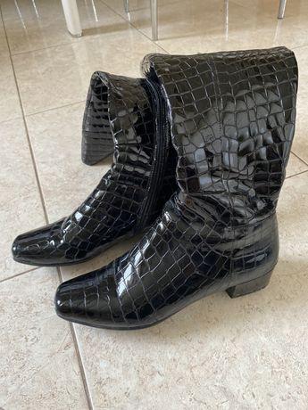 У хорошому стані сапоги та зимові ботинки