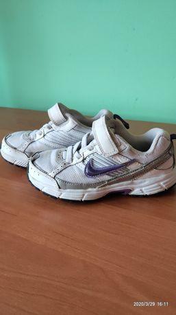 Кросівки Nike розмір 27.5