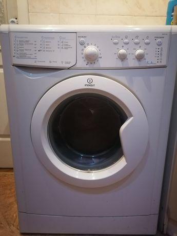 Продам стиральную машинку в идеальном состоянии