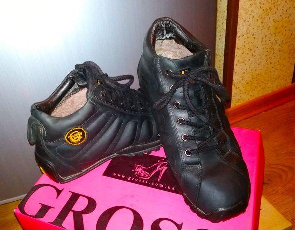 Продам зимние ботинки на мальчика р.36-37