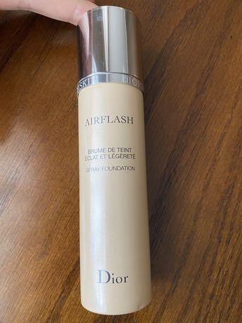 Тональный крем-спрей Dior Airflash