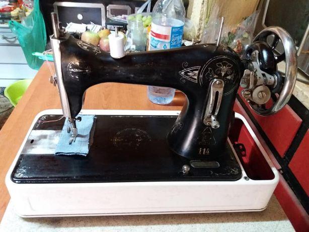 Máquina de costura Victória 384795