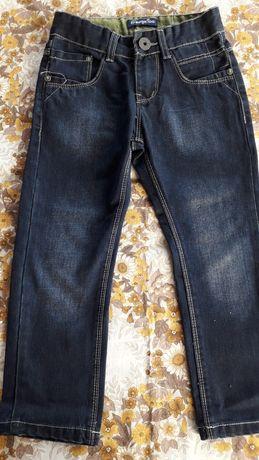 Spodnie. Dżinsy 4-5 lat