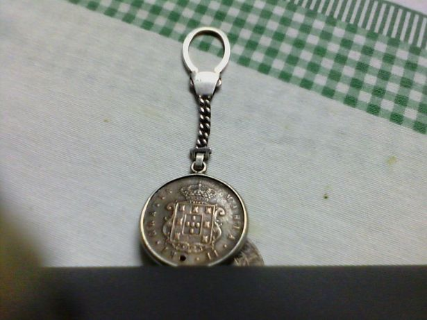 Porta chaves em prata com moeda antiga