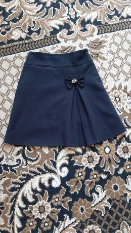 Продам школьную юбочку на девочку 128 рост(Польша)