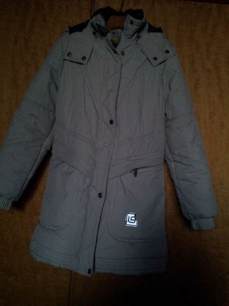 Продам Пальто девичье зимнее
