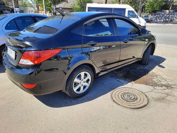 Продам свою машину. Газ - бензин + зимняя резина + запаска