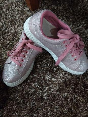 Tênis rosa com brilho Tamanho 37