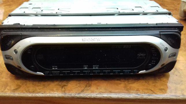 Sony Modelo CDX - L 580 x Auto-Rádio AVARIADO