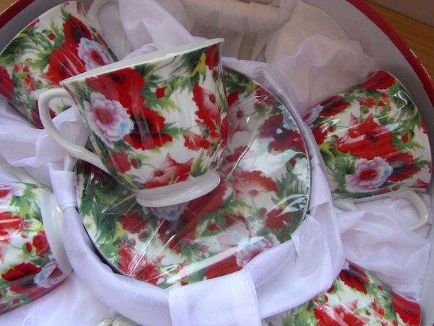 Новый подарочный набор чашек с блюдцами чайный сервиз