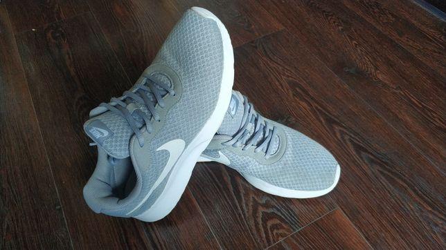 Кроссовки Nike оригинал 26 см.