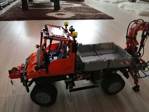 Lego Technic Mercedes-Benz U 400