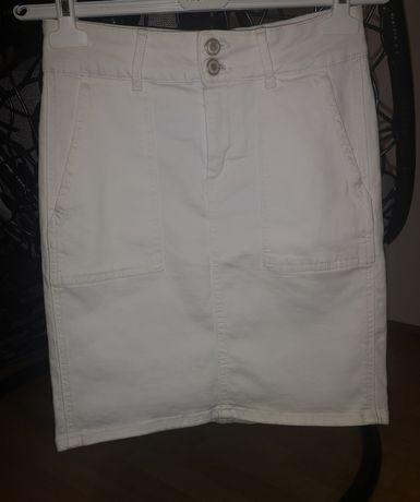 Pieces Pcavia Skirt Box Camp - Spódnica ołówkowa w rozmiarze M