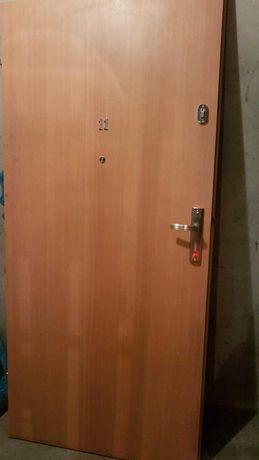 Drzwi wejściowe do mieszkania