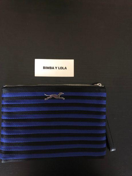 Pochete Bimba y Lola original usada uma vez preta e azul as riscas.