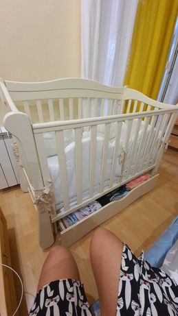 Детская мебель б/у кроватка маятниковая в отличном состоянии,