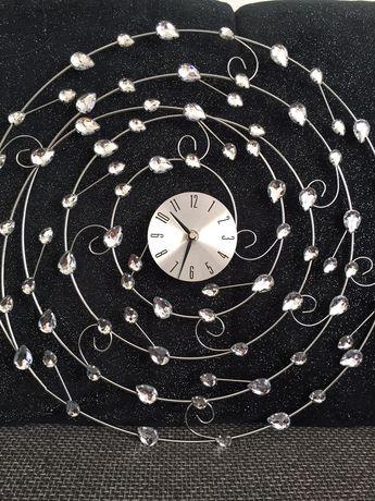 Zegar srebrny z diamencikami błyszczący ścienny glamour śliczny nowy