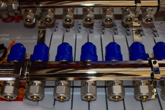 Хромированный коллектор GROSS в сборе на теплый пол до 12 контуров