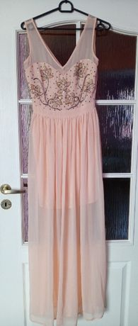 Długa różowa sukienka Lipsy London