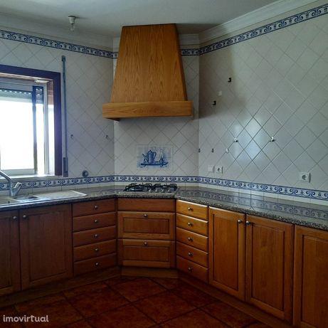 Apartamento T3 com garagem e varandas, Cantanhede (V636PL)