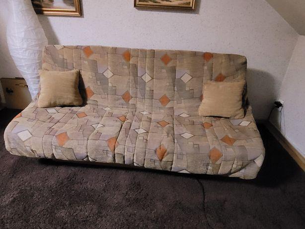Zestaw kanapa, krzesła i stolik