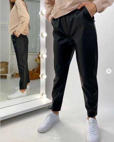 Весняні брюки з ЕКО шкіри.