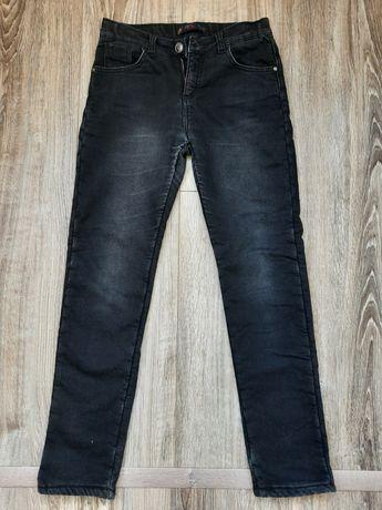 Продам тёплые джинсы Армани