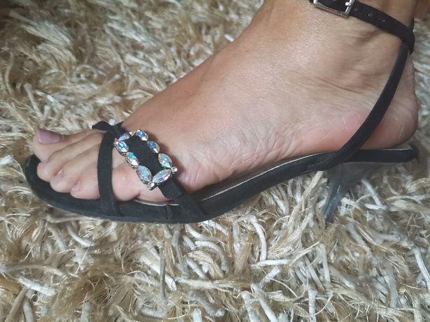 Sandália elegante preta
