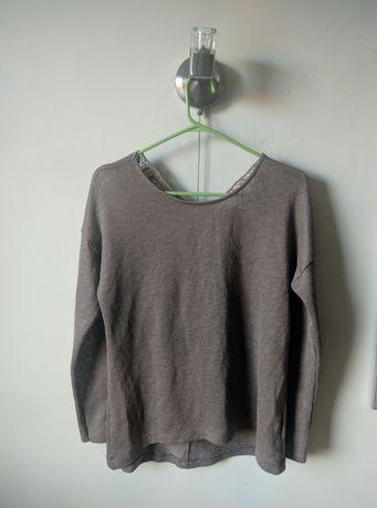 Brązowy sweterek damski z ozdobnym wycięciem na plecach Bik Bok (XS)