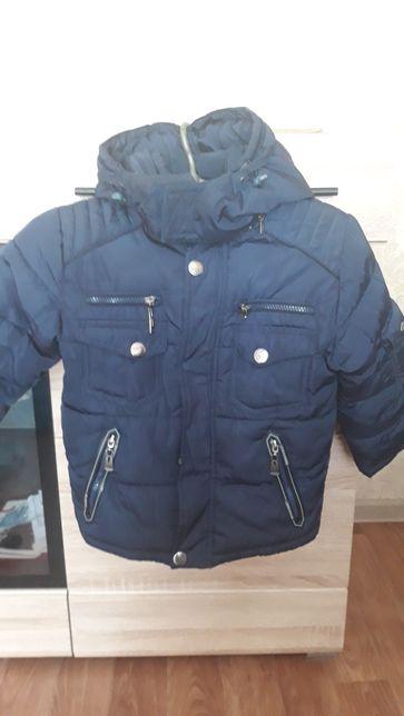 Продам дитячу зимову курточку на хлопчика