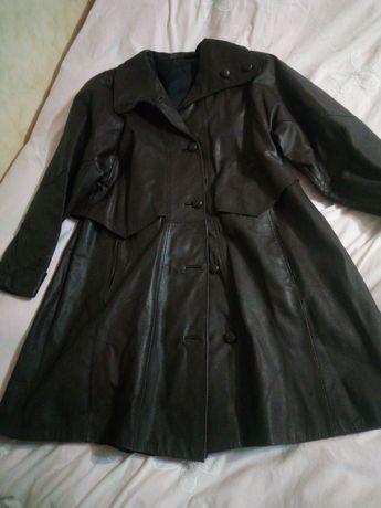 78. Płaszcz damski skórzany rozmiar 48