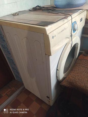 Продам диван, кресло, стиральную машину