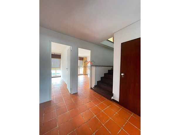Apartamento T5 Duplex em Esgueira!!