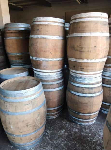 Beczka drewniana po whisky po winie dębowa szczelna beczka 225 litrów