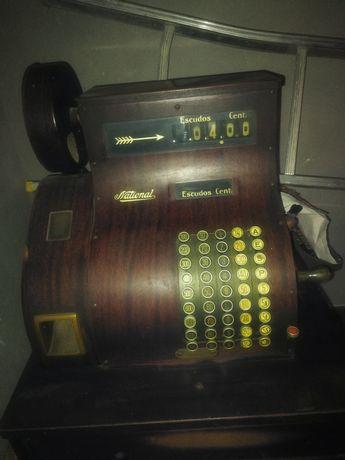Vendo máquina registadora antiga