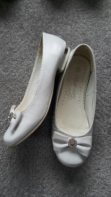 Buty pantofelki białe komunia
