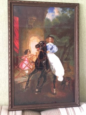 Картины вышиты крестиком