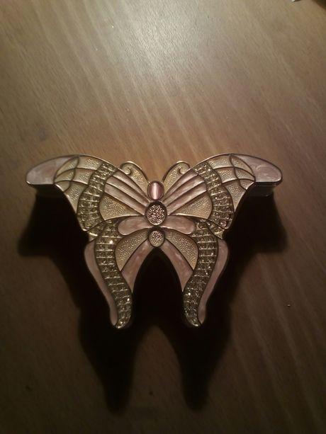 Железная шкатулка бабочка. Шкатулка в форме бабочки.