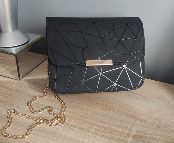 Torebka mała crossbody bag geometryczna czarna matowa