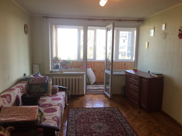 Однокомнатная квартира, Соломенский район,улица Фучика 15