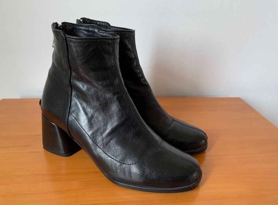 Hvoya чёрные кожаные ботинки ботильоны на каблуке 36 Киев - изображение 1