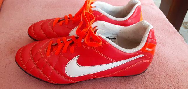 Korki chłopięce Nike