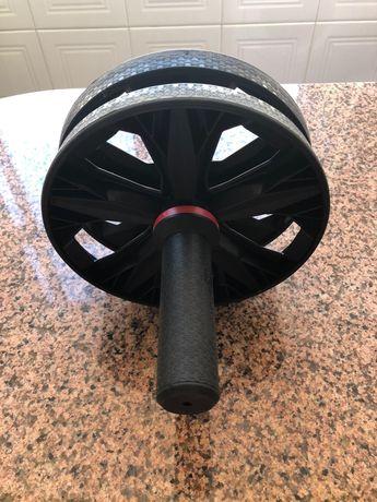 Roda de abdominais para treino
