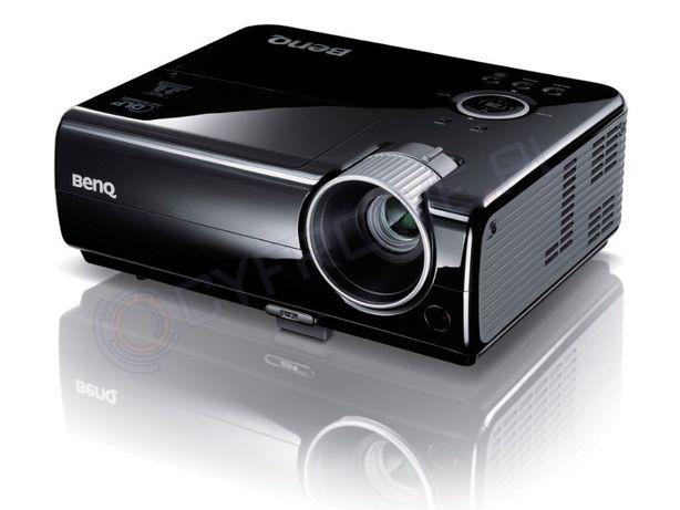 projektor beneq i ekran kino domowe